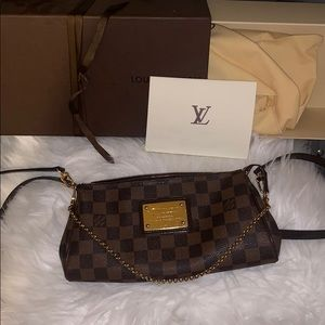 Eva Louis Vuitton crossbody!
